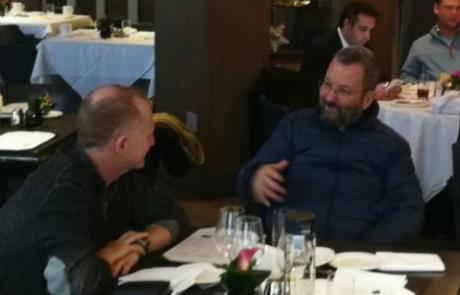 זוכרים פרשת עמותות? אז אהוד בר-קאק נצפה במסעדה בניו יורק עם יועצו הבכיר לשעבר, משה גאון.