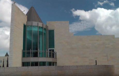 את הבניין המנוכר שנראה כמו מקדש לאל הפרוגרסיבי נהפוך למוזיאון לנזקי העריצות ולאהבת העם והמולדת