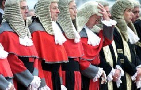 שלטון הצחוק של בית המשפט העליון