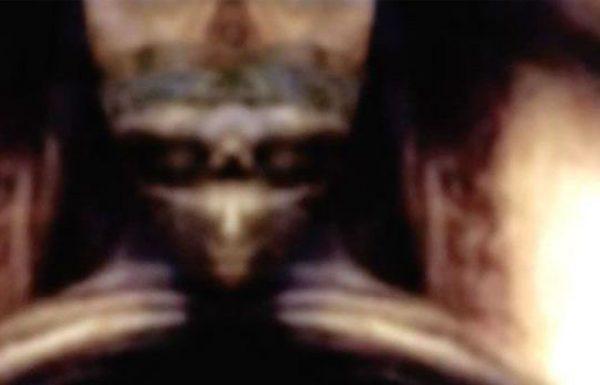 צופן דה וינצ'י: האם ליאונרדו הטמין הוכחות לקיום חוצניםב'מונה ליזה'?